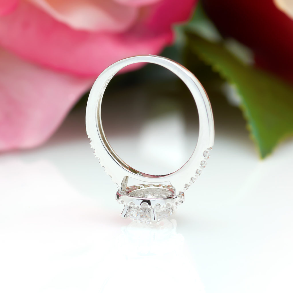 1 Karat Oval Engagement Ring in Silver