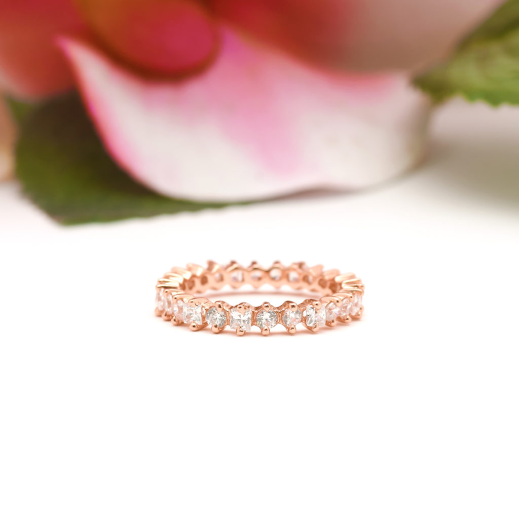 Square-and-Round-Gemstone--Eternity-Band-down