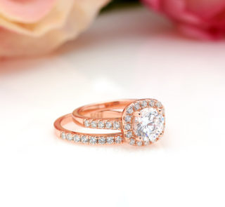 1.25 CT Halo Round Cut Bridal Set in Rose Gold